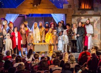 Duck Dynasty stars showed off their acting skills at their church's nativity play