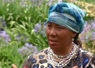 Makaziwe Mandela has described the final hours of her father Nelson Mandela