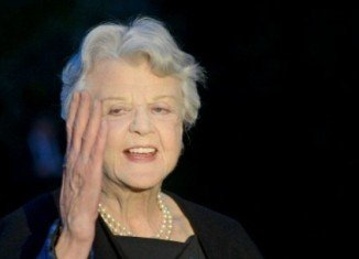 """Angela Lansbury says she is """"relieved"""" the planned remake of her detective show Murder, She Wrote has been scrapped"""