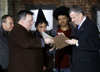 Democrat Bill de Blasio has been sworn in as the new mayor of New York City
