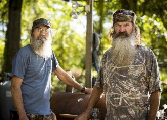 Duck Dynasty returned to lower viewership than its previous two premieres after Phil Robertson controversy