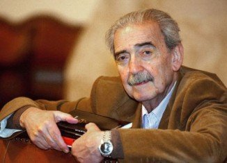 Juan Gelman is considered to be one of the greatest authors in Spanish and was awarded the prestigious Cervantes Prize in 2007