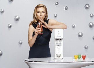 Scarlett Johansson will remain a brand ambassador for SodaStream, which has a factory in the Jewish settlement of Maale Adumim