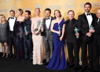 The cast of American Hustle have taken the top prize at the Screen Actors Guild awards