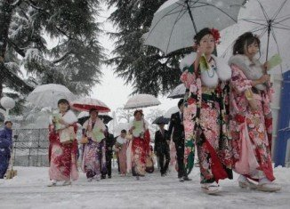 Japanese authorities warned Tokyo residents to stay indoors as a severe snow storm hit the capital