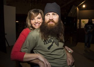 """Jase and Missy Robertson will be special guests at the Arizona Diamondbacks' """"Date Night at the Ballpark"""" on May 2"""
