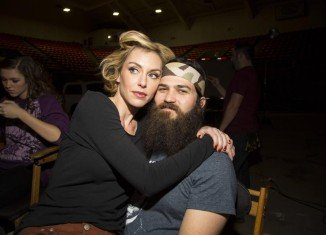 Jep Robertson is happily married to Jessica