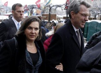 Victoria Nuland joined Ambassador Geoffrey Pyatt on Maidan Square during her visit to Kiev in December