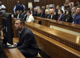 Oscar Pistorius' trial in South Africa begins with his defense lawyers questioning a key witness
