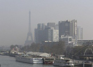 Police will monitor traffic in Paris on Monday after pollution levels prompted the French government to impose major restrictions