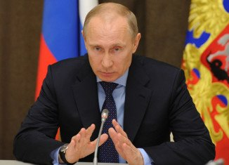 President Vladimir Putin has signed a decree recognizing Crimea as a sovereign and independent country
