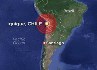 Chile has been hit by an 8.2-magnitude earthquake, triggering a tsunami alert and killing at least five people
