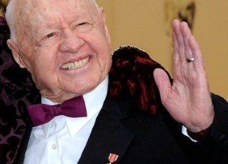 Mickey Rooney will be buried at Hollywood Forever Cemetery alongside other screen legends