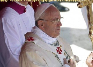 People have gathered in St Peter's Square for the Easter Sunday Mass led by Pope Francis