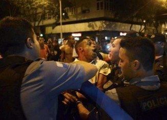 Police and protesters clashed in Rio de Janeiro following the death of Douglas Rafael da Silva Pereira