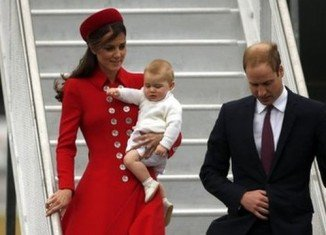 Prince William and Kate Middleton arrive in New Zealand with Prince George