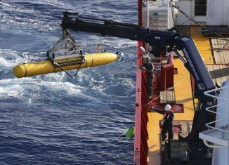 The underwater search for the missing Malaysia Airlines plane could widen from its focused area in the Indian Ocean