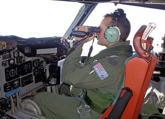 A full search of the suspected crash area of Malaysia airliner MH370 could take up to a year