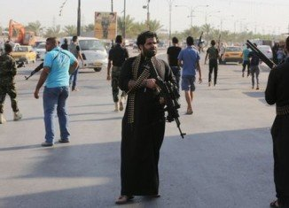 Heavy clashes took place between Iraqi government forces and Sunni Islamist militants who have made major advances in the past week