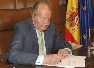 King Juan Carlos announced on Monday his intention to abdicate after nearly 40 years on the throne