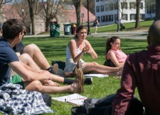 Students have to spend at least a few hours each week for the undesirable but sometimes necessary ritual of summer college courses