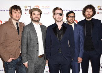 This year's Glastonbury festival is kicked off by Kaiser Chiefs