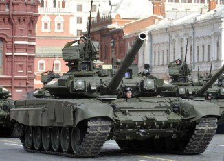 Three tanks have crossed the eastern Ukrainian border from Russia