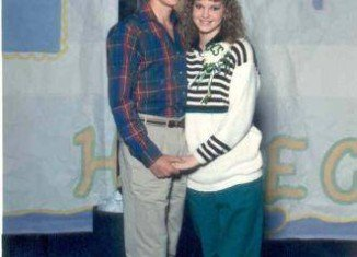 Missy and Jase Robertson as high school sweethearts in the 1980's