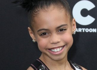 Asia Ray is of African American, German, Samoan and Chinese descent