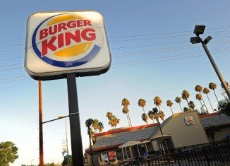 Burger King has confirmed it is in takeover talks with Canadian coffee and doughnut chain Tim Hortons