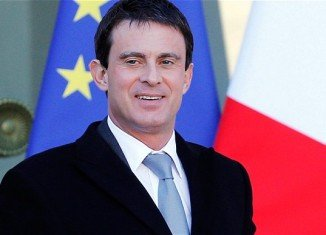 France's Prime Minister Manuel Valls has submitted the government's resignation to President Francois Hollande and has been asked to form a new cabinet