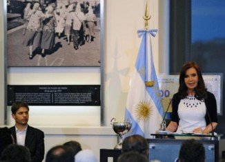 Argentina has been found in contempt of court for refusing to obey an order to repay the debt it owes to two US hedge funds