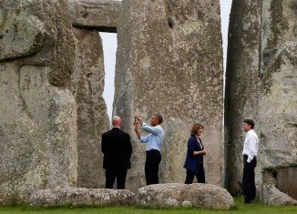 Barack Obama made an impromptu visit to Stonehenge on his return home from the NATO summit in Newport