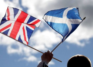 Counting is under way in the referendum to decide whether Scotland should stay in the UK or become an independent country