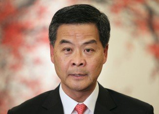 Hong Kong's leader CY Leung says he will not step down, amid calls from pro-democracy protesters for him to resign