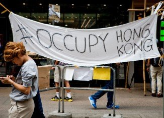 Hong Kong protesters have accepted an offer of talks with the government after a week of unrest