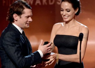 """Angelina Jolie greeted Jack O'Connell with """"ay up me duck"""" at Hollywood Film Awards"""