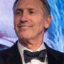 White House 2020: Former Starbucks CEO Howard Schultz Considers Running for President